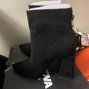 Boots 7.5